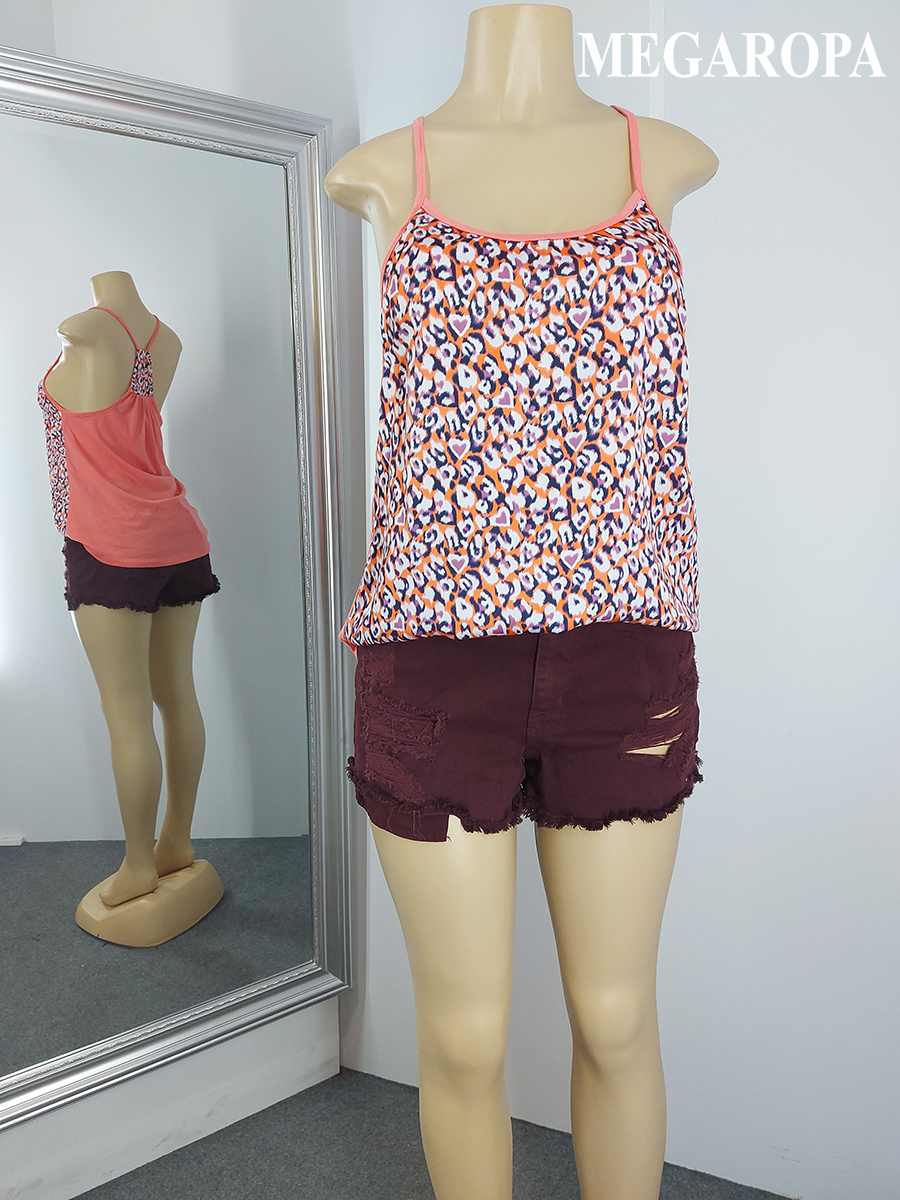 Outfit Short AMERICAN EAGLE + Blusa CHARLOTTE